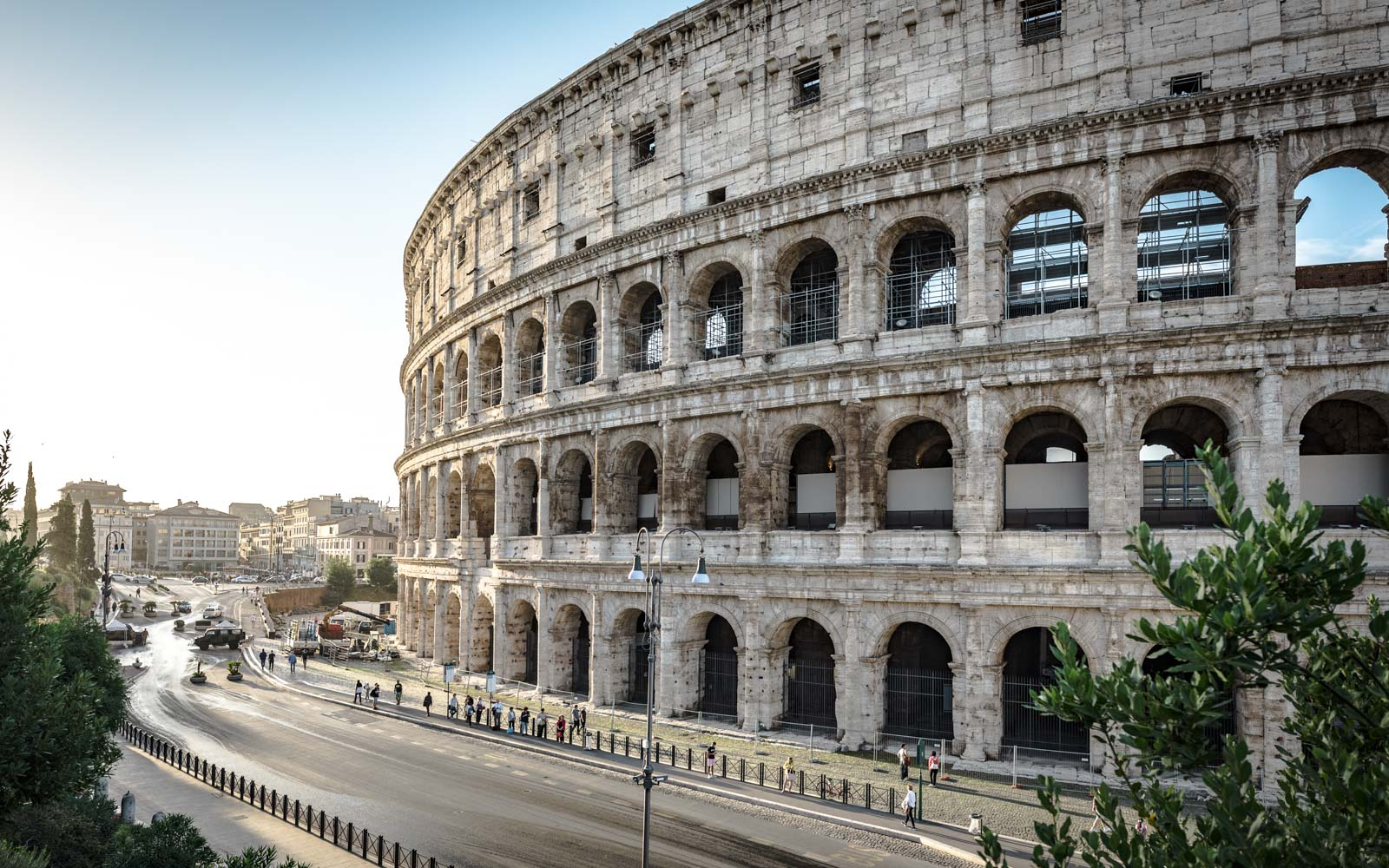 Colosseo all'alba